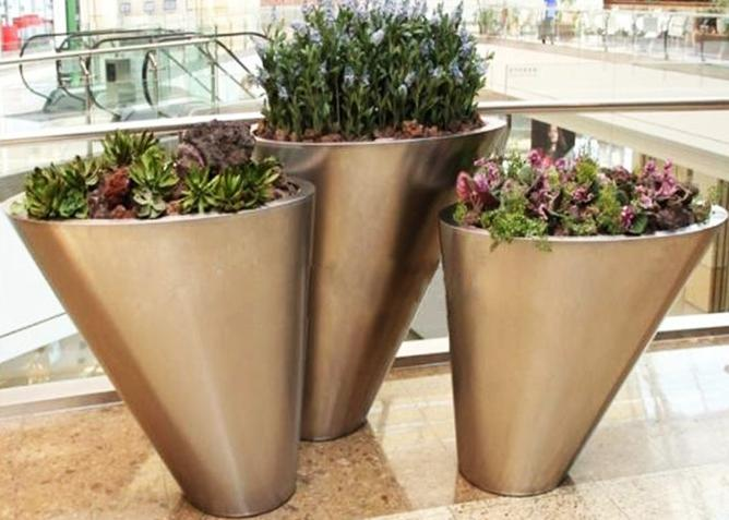 Unique Shaped Stainless Steel Trough Planter Flower Pots Matt Finishing