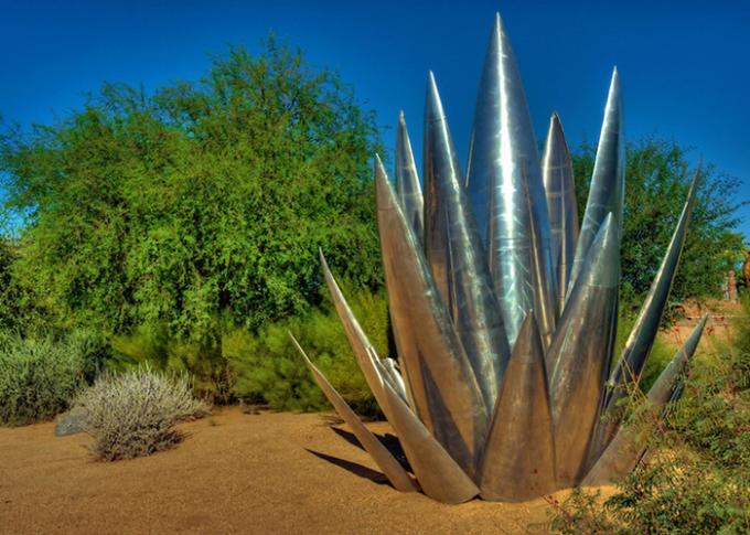 OEM ODM Aloe Vera Polished Stainless Steel Sculpture For Park Decoration