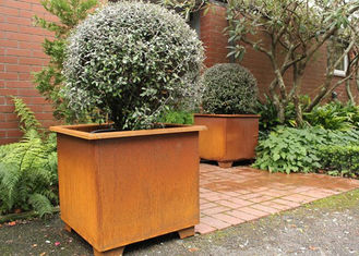 China Modern Stylish Square Metal Flower Pots / Square Metal Garden Planters Corten Steel supplier