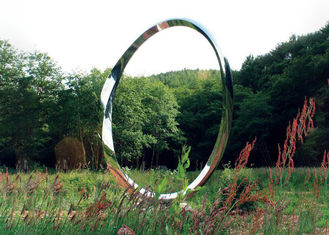 China Outdoor Metal Garden Art Sculpture Stainless Steel Ring Shape 2.5mm Thickness supplier