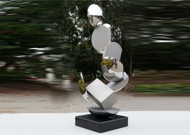 China Modern Stainless Steel Sculpture Highly Polished For Pool Decoration factory