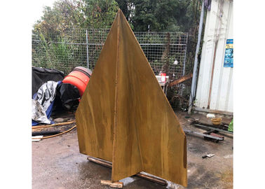 China Corrosion Stability Corten Steel Sculpture Rusted Garden Paper Plane Design factory