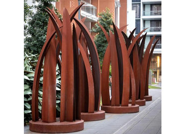 China Contemporary Rusty Welding Garden Corten Steel Leaf Sculpture factory
