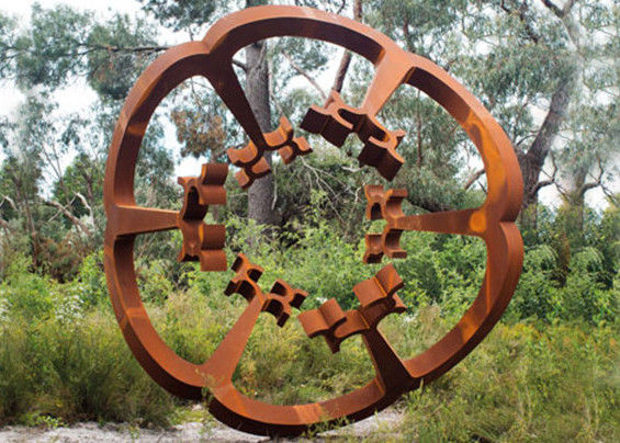 China Oxide Color Rusty Garden Sculptures , Metal Garden Flowers Sculpture  150cm Heigh Supplier