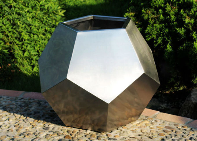 Customized Size Polygon Stainless Steel Planter For Garden Decoration